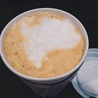 Photo taken at Starbucks by MyThy H. on 9/29/2014