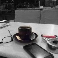 Photo taken at OldTown White Coffee by Farizal K. on 8/4/2016