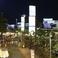 Photo taken at Suzuki Avenue Ratchayothin by Bihn T. on 3/20/2013