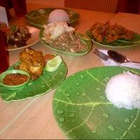 Photo taken at Ayam dan Ikan Goreng Cianjur by @coel #. on 12/21/2012