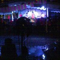 Photo taken at Fakultas Hukum by Asry L. on 4/12/2013