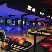 Photo taken at Bowlmor Cupertino by Wendy on 12/23/2012