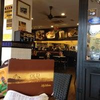 Photo taken at OldTown White Coffee by Jaja S. on 12/29/2012