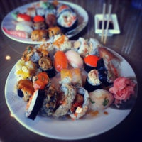 Photo taken at Sushi Naru by Nehal E. on 2/5/2013