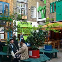 Photo taken at Neal's Yard Salad Bar by Stanislava S. on 6/24/2013
