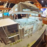 Photo taken at ICSC RECon by Gabriel C. on 5/18/2015