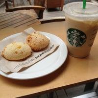 Photo taken at Starbucks by Hugo V. on 10/24/2012
