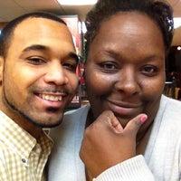 Photo taken at Popeyes Louisiana Kitchen by Michael P. on 11/28/2012