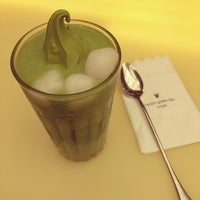 Photo taken at 七叶和茶 Nana's Green Tea by 扬 王. on 4/19/2014