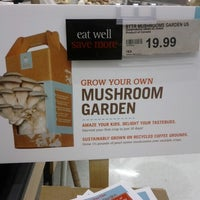 Photo taken at Loblaws by Dayes W. on 8/5/2012