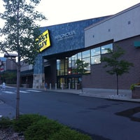 Photo taken at Best Buy by Toby A. on 7/17/2011