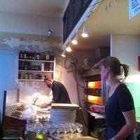 Photo taken at Pizza Hatt by Staffan H. on 9/24/2011