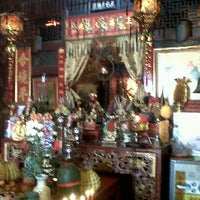 Sang Tham Shrine : 定光堂