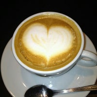 Photo taken at Café do Mercado by Pery B. on 8/11/2012