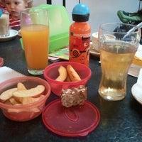 Das Foto wurde bei Dschungel Café von Julia P. am 8/31/2012 aufgenommen