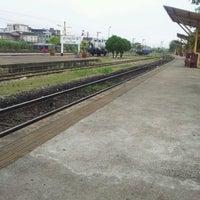 Photo taken at สถานีรถไฟสุราษฎร์ธานี (Surat Thani) SRT4239 by Chai Z. on 3/9/2012
