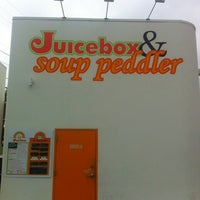 Photo taken at Soup Peddler Real Food & Juice Bar by Bread N. B. on 5/15/2012