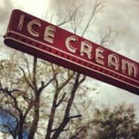 Photo taken at Bonnie Brae Ice Cream by Derrin A. on 4/14/2012