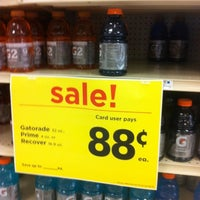 Photo taken at Giant Eagle Supermarket by Wulfgar D. on 7/17/2012