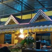 Photo taken at Restoran Seri Idaman by Zainon S. on 3/3/2012