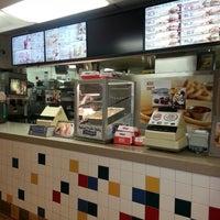 Photo taken at Burger King by Jr C. on 1/10/2013