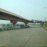 Photo taken at Kherwadi Junction by Aptraveler on 10/4/2014