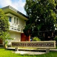 Photo taken at Fakultas Geografi by Dwi Heryanto P. on 4/5/2013