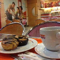 Photo taken at Dunkin Donuts by ℝossi♛ on 11/24/2012