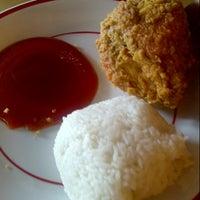 Photo taken at KFC by Kanda M. on 5/26/2013