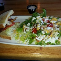 Photo taken at Applebee's by Kenneth O. on 8/23/2013