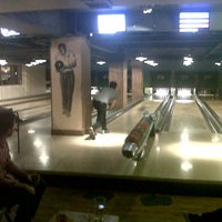 Photo taken at Bloomsbury Bowling Lanes by Francesco R. on 10/6/2012