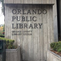 11/16/2012에 Ani님이 Orange County Library - Orlando Public Library에서 찍은 사진