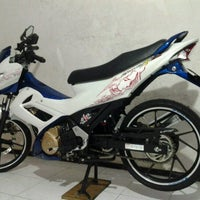 Photo taken at Suzuki Hero Sakti Motor Gemilang by Achmad Anas A. on 12/2/2012
