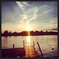 Photo taken at Johnny's On The Lake by Kwesi R. on 8/16/2013