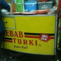 Photo taken at Kebab Turki ( Garuda Mitra ) by Rianti K. on 7/15/2013