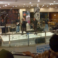 Photo taken at Hot Planet by Albamzs on 12/13/2012