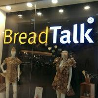 Photo taken at BreadTalk by Rafaella J. on 6/1/2014