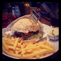 Photo taken at Madero Burger & Grill by Luis M. on 11/26/2013