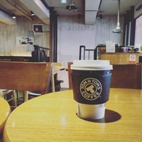 Photo taken at TOM N TOMS COFFEE by Young Jun K.🎗 on 12/23/2015
