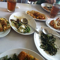 Photo taken at D'Cost Seafood by Azeria A. on 2/6/2014