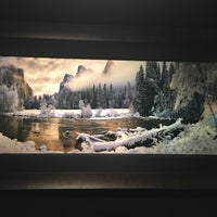 Photo taken at Peter Lik Fine Art Gallery by Lz on 8/1/2016