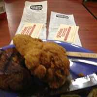 Photo taken at Golden Corral by Tiy A. on 12/29/2012