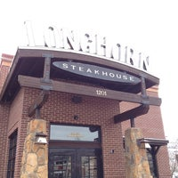 Photo taken at LongHorn Steakhouse by Sester L. on 12/28/2012
