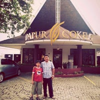 Photo taken at Dapur Cokelat by Ganthoer on 5/16/2015