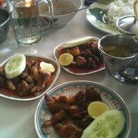 Photo taken at Lapo Ni Tondongta by nengMona on 12/10/2012