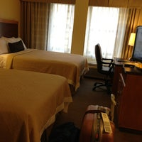 Photo taken at Days Inn Connecticut Avenue by Zhiwen Y. on 8/20/2013