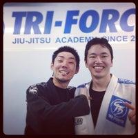 Photo taken at トライフォース柔術・新宿アカデミー by Yoshiaki O. on 12/15/2012