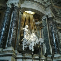 Photo taken at Chiesa di Santa Maria della Vittoria by Yokothena on 12/20/2012