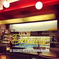 Photo taken at Secret Recipe by Rafiq F. on 1/17/2013
