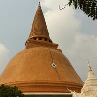 Photo taken at Wat Phra Pathom Chedi by TorTI P. on 3/3/2011